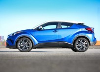 Toyota-C-HR_US-Version-2018-1600-0f