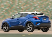 Toyota-C-HR_US-Version-2018-1600-17